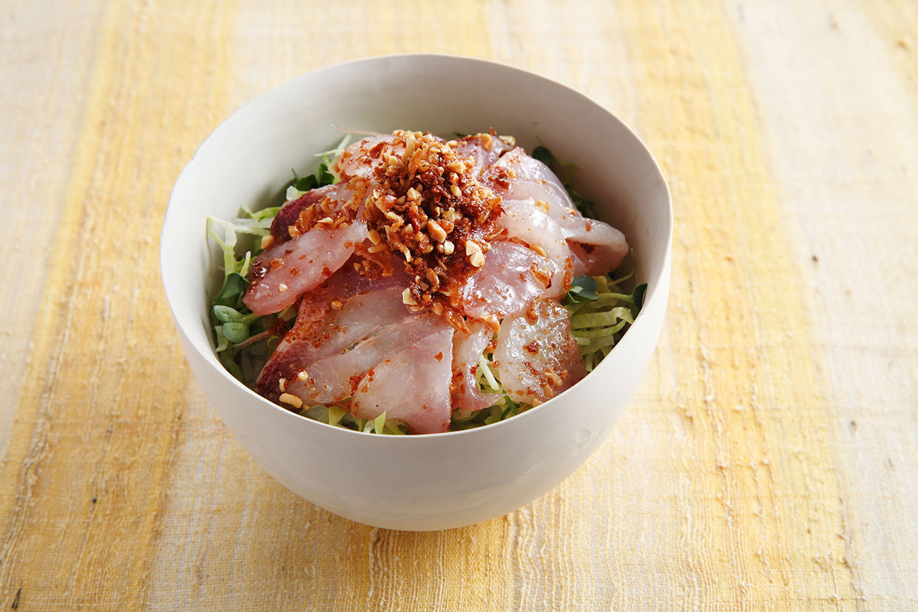 白身魚のサクサクしょうゆアーモンド丼
